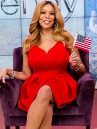 """Layered Wavy Blonde 18"""" Great Wendy Williams Wigs"""