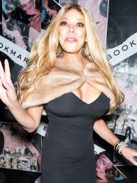 """Without Bangs Wavy Blonde 24"""" Fashion Wendy Williams Wigs"""